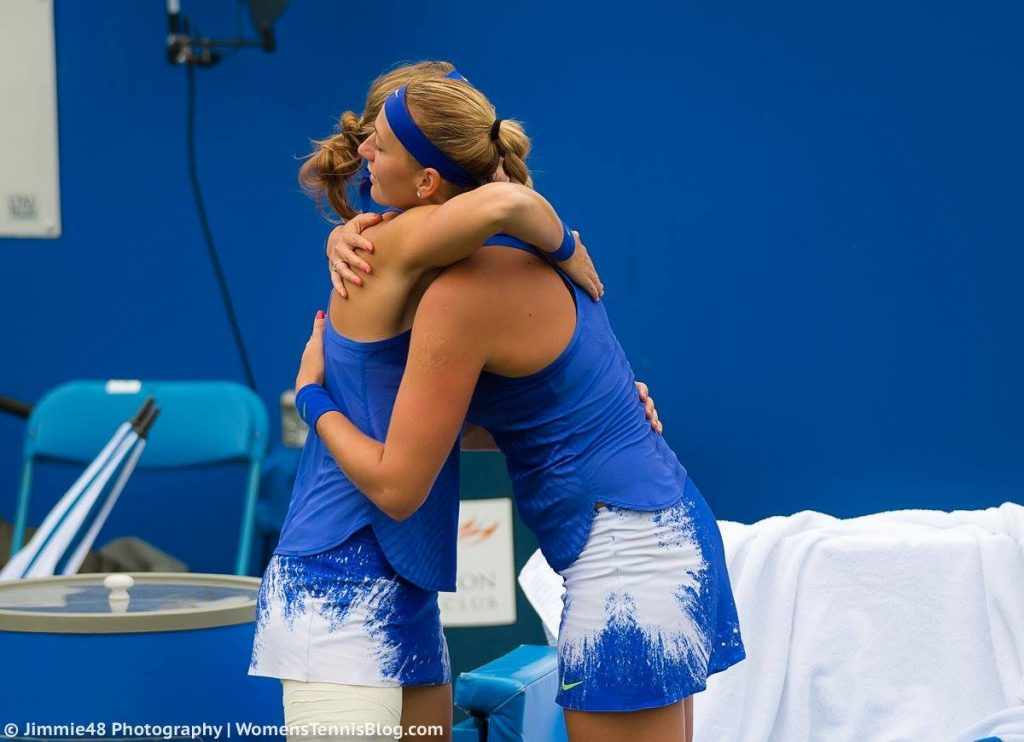 Lucie Safarova retires in Birmingham against Petra Kvitova