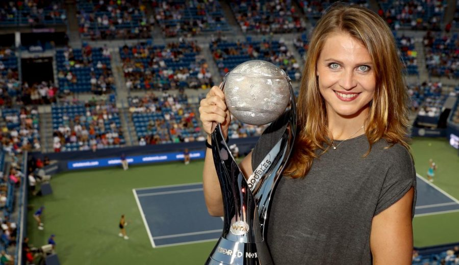 Lucie Safarova becomes World Number 1 in doubles!!!
