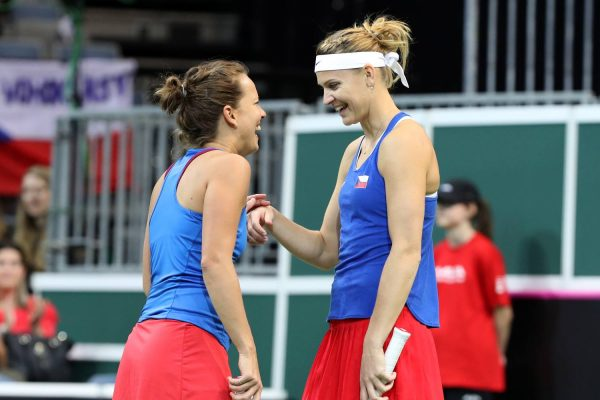 Fed Cup: Czechs defeat Switzerland 3-1