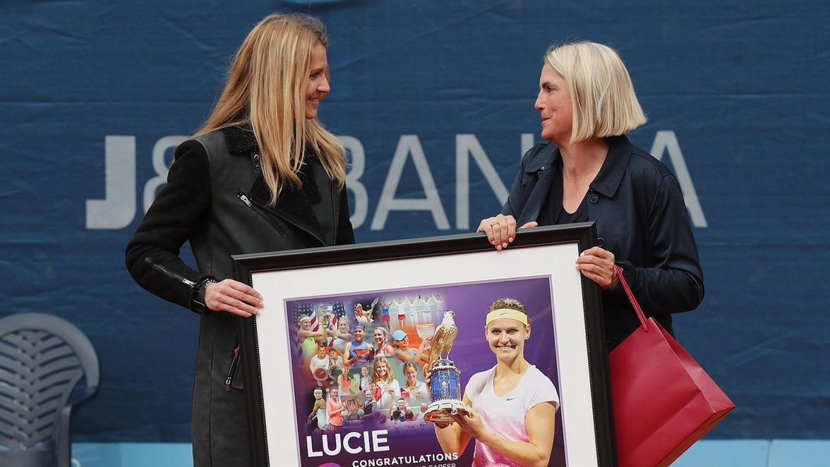 Farewell ceremony, Lucie Safarova is presented with the WTA farewell gift